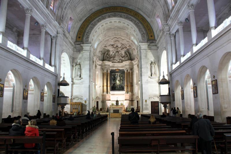 Interior do santuario de fatima f tima portugal fotos rotas tur sticas - Foto foto interior ...