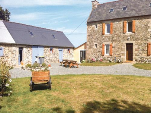 Holiday home Treguier with a Fireplace 350