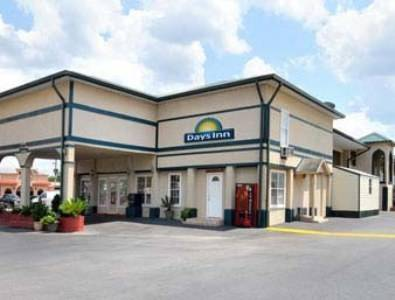 Days Inn - Waycross