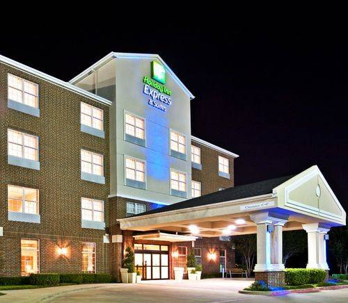 Holiday Inn Express Hotel and Suites Dallas-Addison