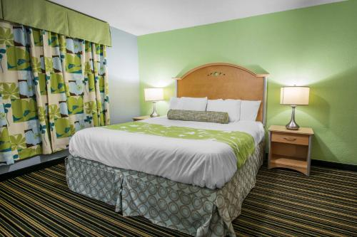 Rodeway Inn & Suites Winter Haven
