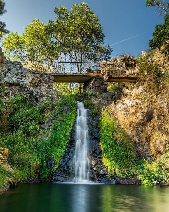 Penedo Furado Waterfalls